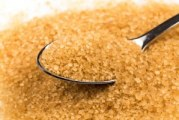 Sugar retailers hold out against recommended price